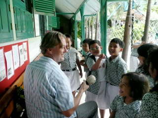 Dick Pirozzolo Photo, Dutch TV at Barrack Obama's school, Jakarta, Indonesia.jpg